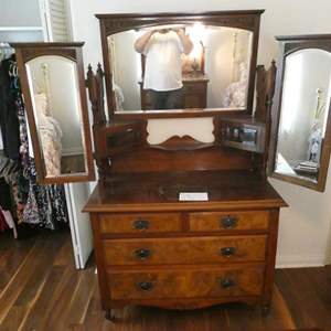 Lot # 116- Gorgeous Vintage dresser/ vanity with mirrors