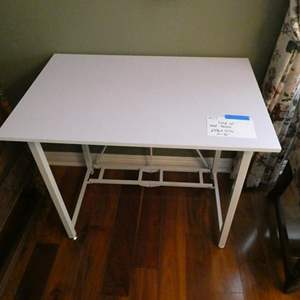 Lot # 17-White fold up end table (collapses)
