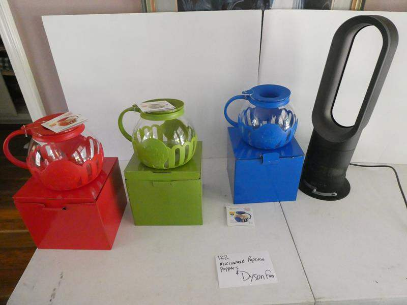 Lot # 122- Dyson Fan and Microwave popcorn poppers  (main image)