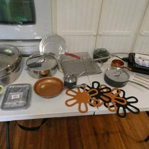Lot # 26-Lets get cooking! Everything your kitchen needs! Electric smokeless grill, skillets,pans, hot pads