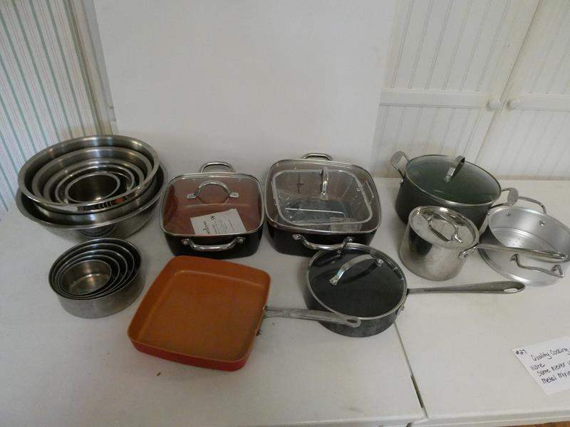Lot # 27- Quality cooking ware. Some never used. Metal mixing bowls (main image)