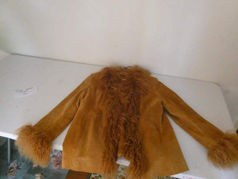 Lot # 133- Leather women's jacket, size XL with fur collar and at wrists (main image)