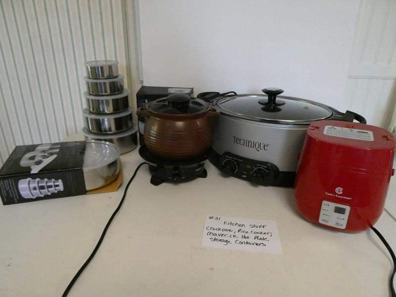 Lot # 31- Crock-pot, rice cooker, maverick hot plate, storage containers (main image)