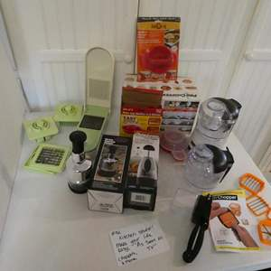 """Lot # 32- KITCHEN STUFF!  """"As seen on TV"""" items! make your life easy!"""