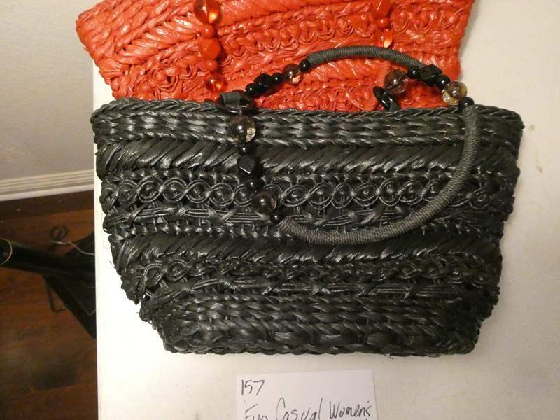 Lot # 157-3 Fun casual hand bags (main image)