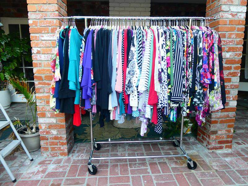 Lot # 163-Rack and content (main image)