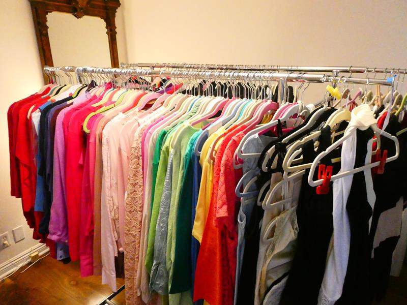 Lot # 166-Women's clothes mostly XL- Rack is included! (main image)