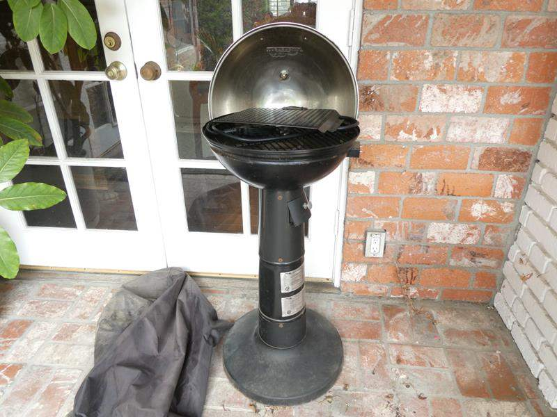 Lot # 309-Masterbuilt BBQ (dirty but looks like never used) (main image)