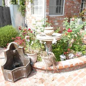 Lot # 311-Water fountain (not tested), Bird bath and more.