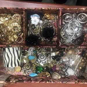341- Jewelry! Costume jewelry