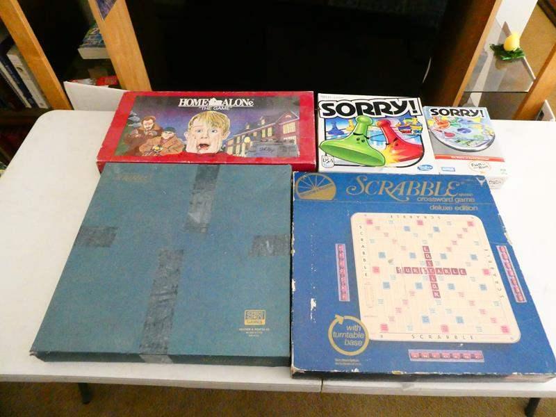 Lot # 126-Board games (main image)