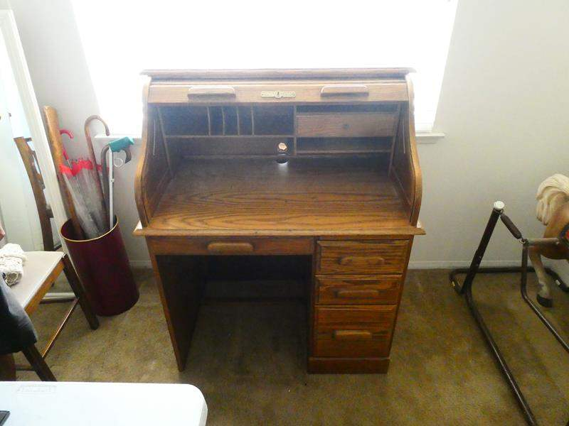 Lot # 128-Solid oak computer desk with hutch (main image)