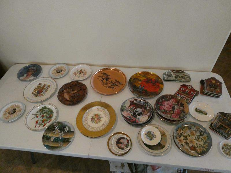 Lot # 27- Collectors plates- 3 are Princess Diana collector plates (main image)