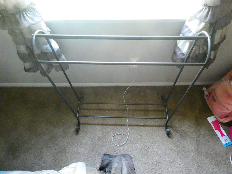 Lot # 140-Quilt rack (main image)