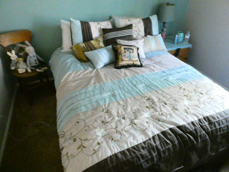 Lot # 141-Full size bed with EVERYTHING included, frame, mattress, box spring, pillows and bedding (main image)