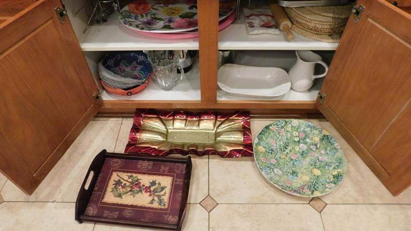 Lot # 44 Platters, lap tray, hand painted platter from Italy & more. (main image)