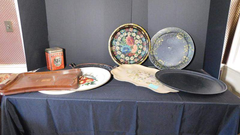 Lot # 40- Antique / Vintage Platters | TV trays | Tin can (main image)