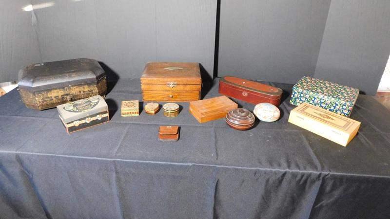 Lot # 43- Antique/ Vintage boxes & jewelry boxes (main image)