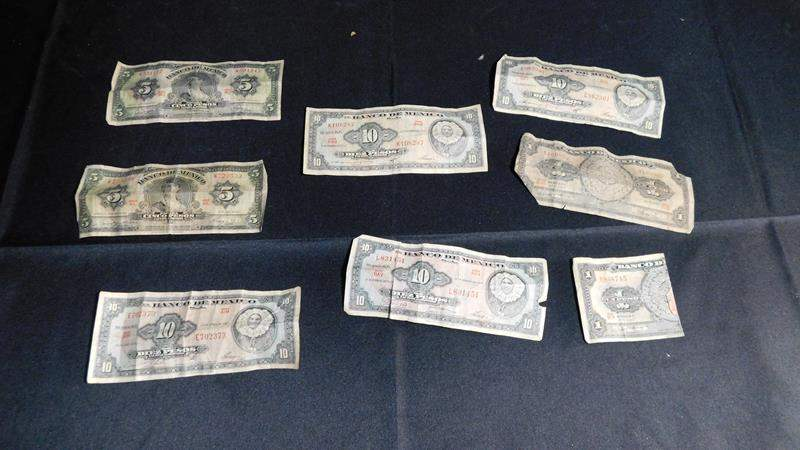 Lot # 49- 1960's Mexican money (1965) (main image)