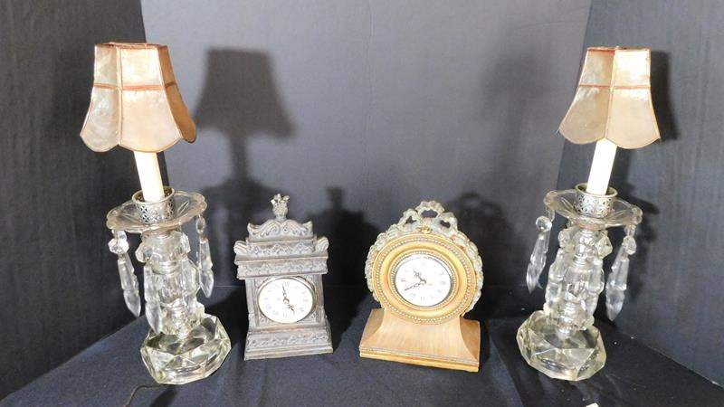Lot # 57- Vintage lamps and clocks (main image)