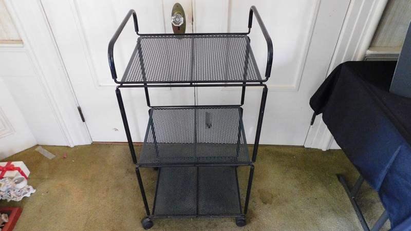 Lot # 62- Metal serving cart (main image)
