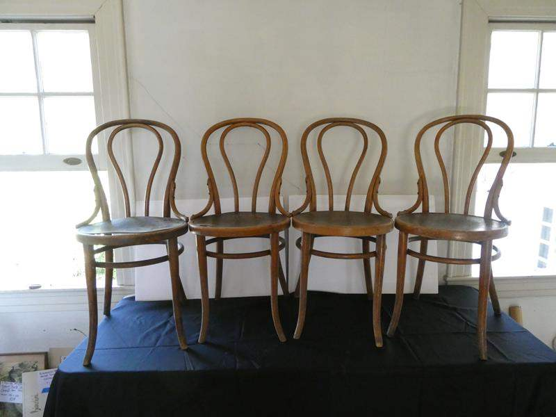Lot # 160- 4 Antique dinning chairs (main image)