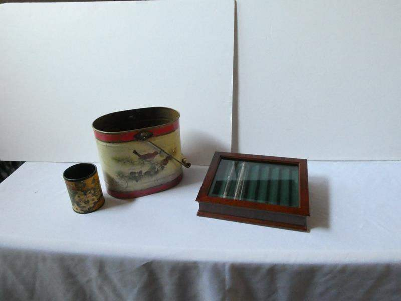 Lot # 98- Wood cigar case with glass top | vintage style tin (main image)