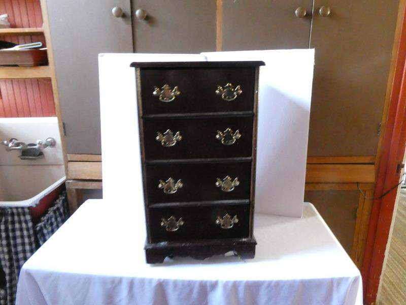 Lot # 102- Vintage wood 2 drawer cabinet/ nightstand on wheels (main image)