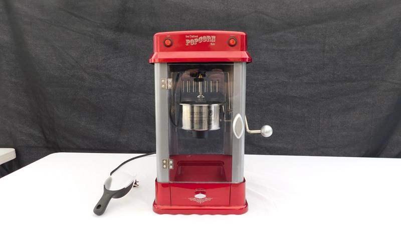 Lot # 3 - Popcorn Machine (main image)