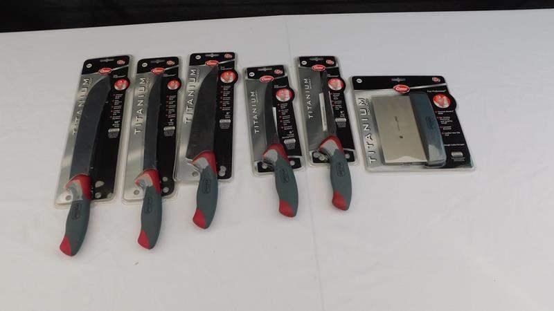 Lot # 7 - Titanium bonded knife set - new (main image)