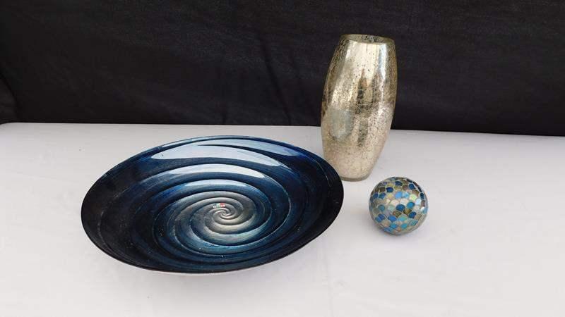 Lot # 36 - Stylish, decorative items (main image)