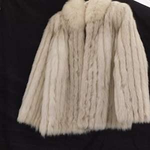 Auction Thumbnail for: Lot # 37 - Vintage Saga Fox fur coat- Rare find! size medium- 10/12