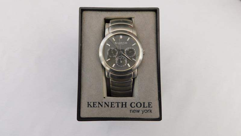 Lot # 47 - Kenneth Cole- New York watch- Men's (main image)