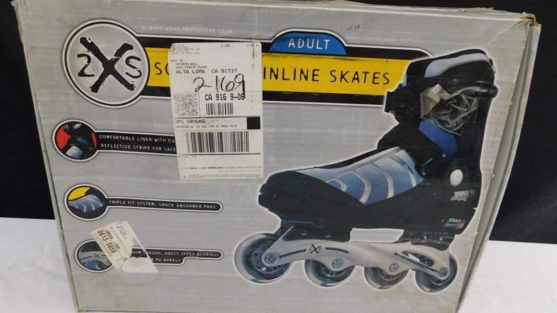 Lot # 62 - Adult size 8 incline skates, 2X skates (main image)