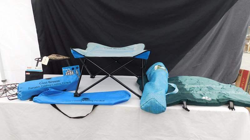 Lot # 67 - Pet items! 2 Cooling pet beds | Treat bag | Chair | mat (main image)