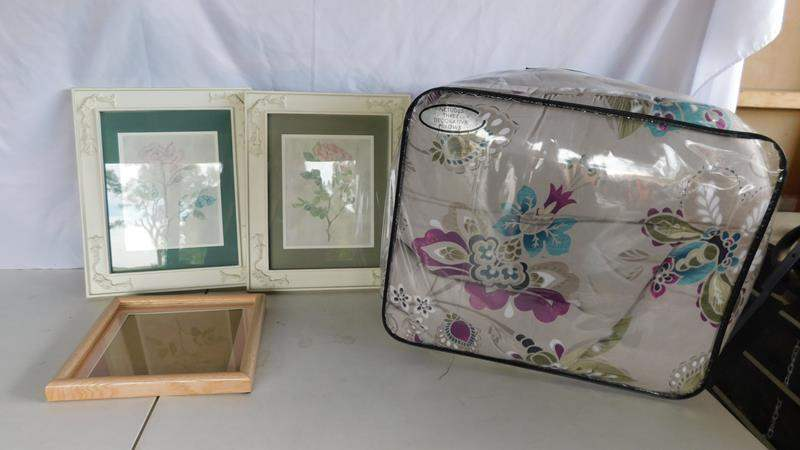Lot # 91 - Queen comforter | Art | frame (main image)