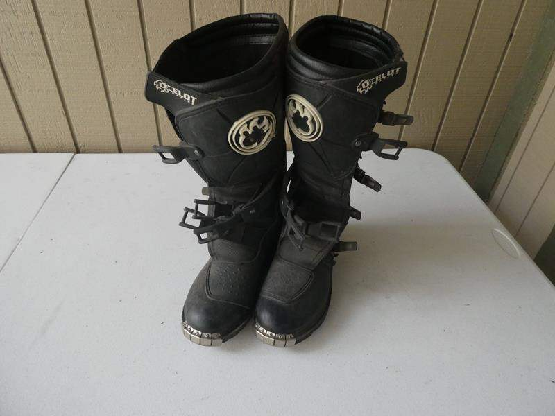 Lot # 401 -Ladies size 8 motorcycling boots (main image)