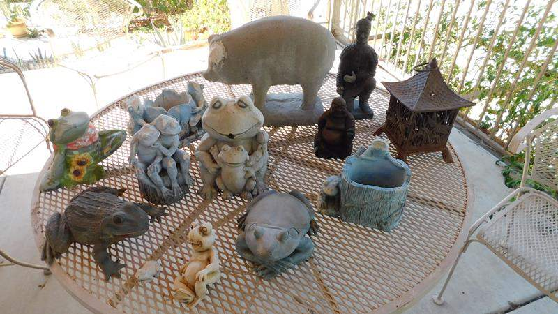 Lot # 405-Yard art, frogs, cement pig, little buddha and soldier (main image)