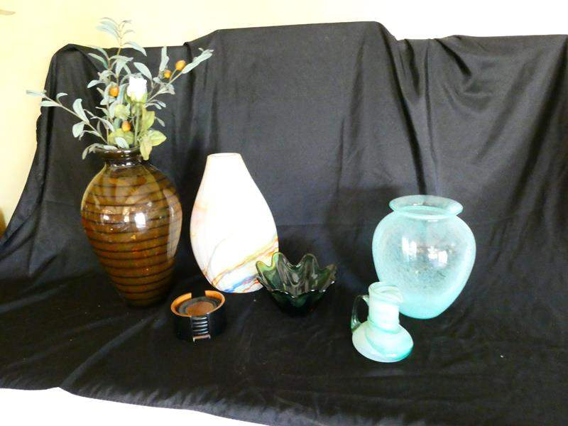 Lot # 25- Beautiful assorted decorative vases and items (main image)