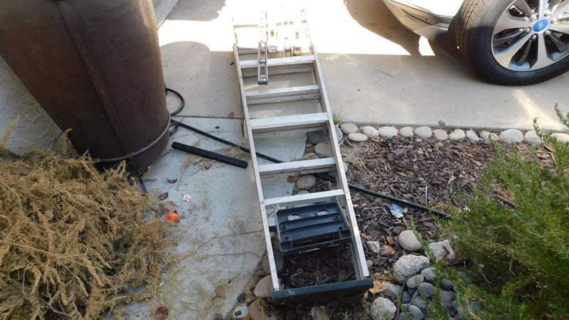 Lot # 431-Aluminum ladder (main image)