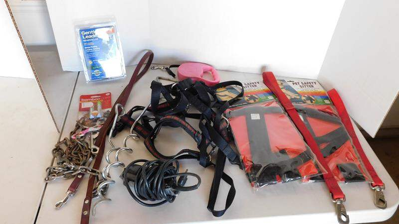 Lot # 449-Leashes for pets/pet grooming items (main image)