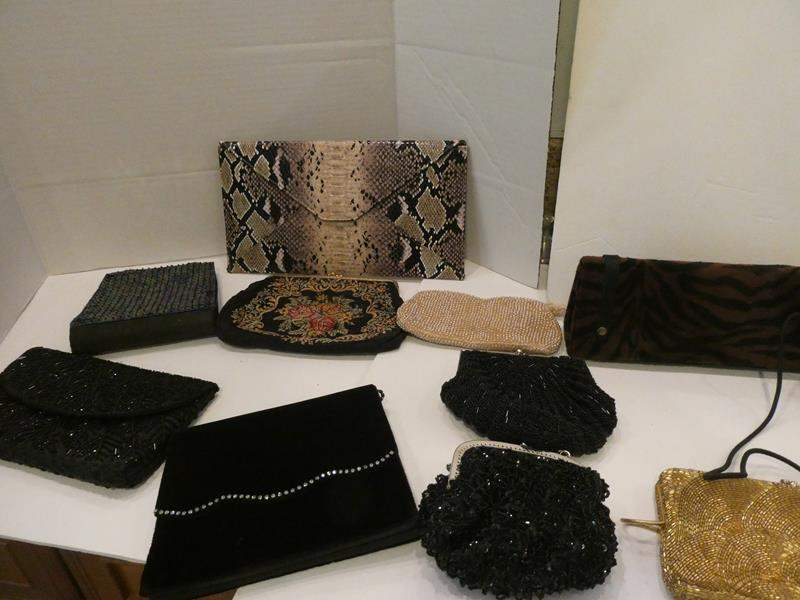 Lot # 82- Cute assorted clutch purses/ bags (main image)