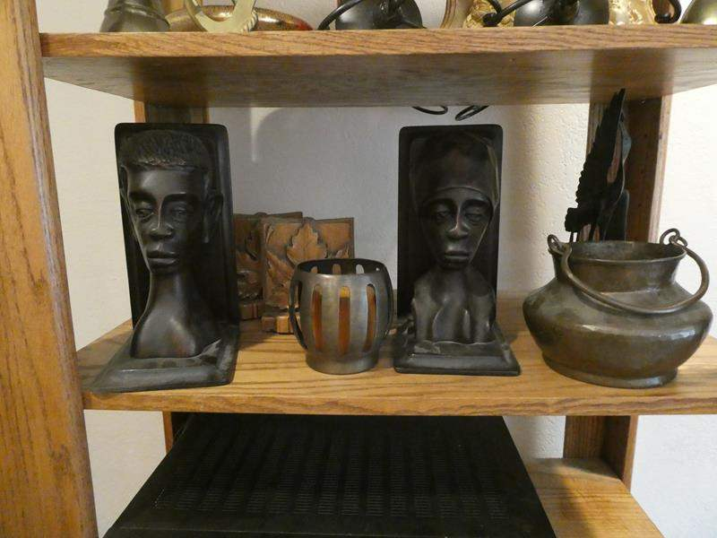 "Lot # 99- Cool décor: ""Stangl Pottery""- See all pictures! Bookends sets, cool pot and more! Two shelves full (main image)"