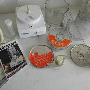 Lot # 206- Cuisinart Pro classic/ Classic 7 cup food processor with convenient extras
