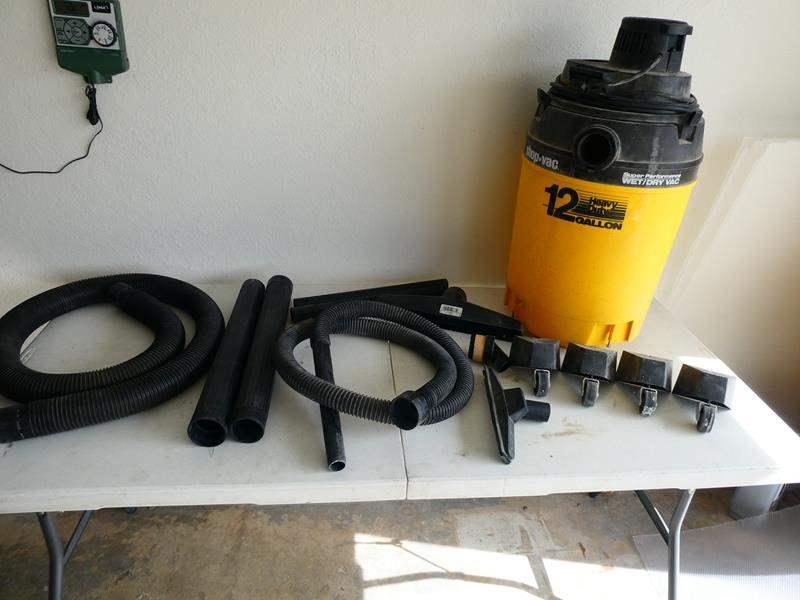 Lot # 211- Heavy duty wet/dry 12 gallon shop vac 20HP (main image)