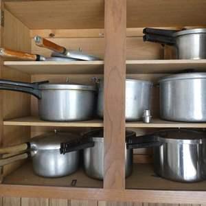 Lot # 214- Presure Cooker- Dream cupboard- 5 pressure cookers, canning pots