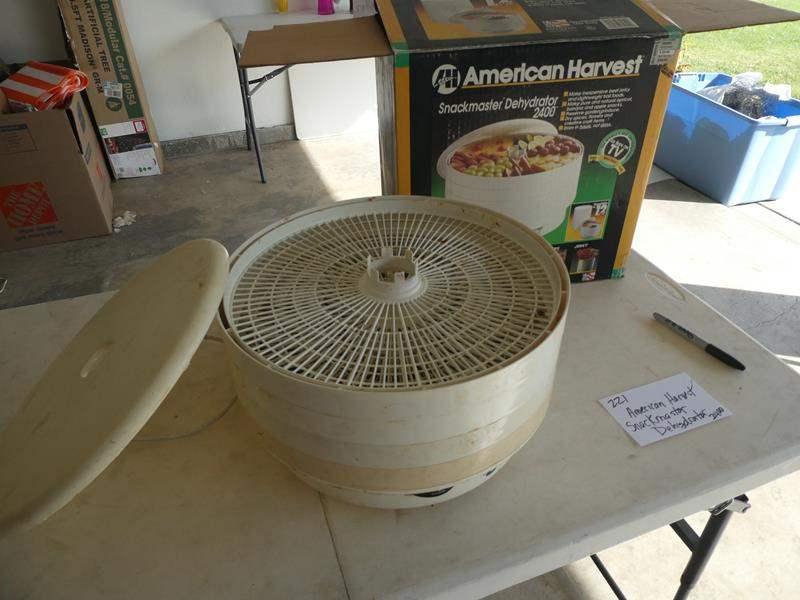 Lot # 221-American Harvest Snackmaster dehydrator 2400 (main image)