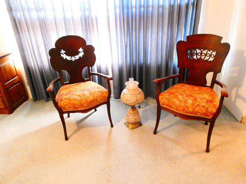 Lot # 88- Vintage Quoizel lace lamp, 2 beautiful vintage hand carved chairs (main image)