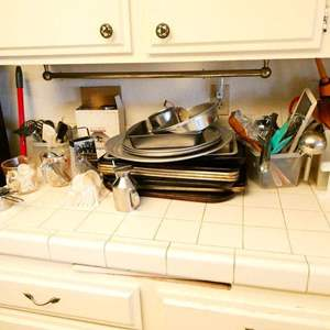 Lot # 349- Baker's Dream! 3 assorted baking sheets/pans, measuring cups and more