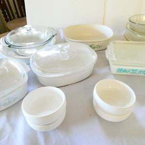 Lot # 352- Corningware and Pyrex dishes/ 4 Sam + Squito bowls